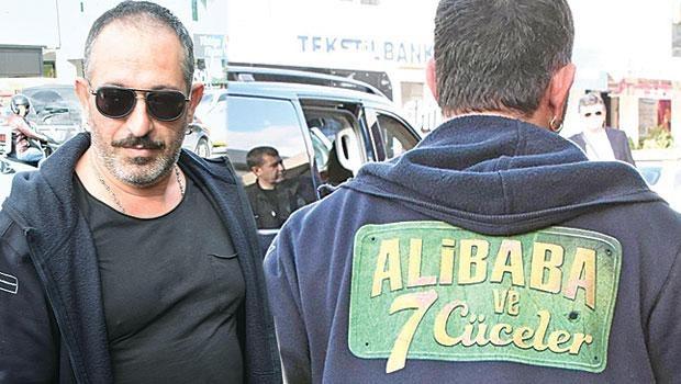 Cem Yılmaz yeni filmi 'Ali Baba ve 7 Cüceler'in reklamını yapt