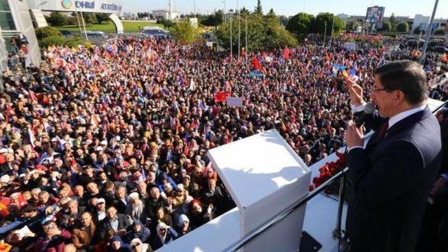 Başbakan Ahmet Davutoğlu: Bu coşkuyu Cumhurbaşkanı da yaşıyor