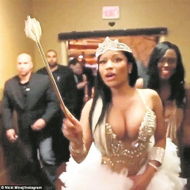 Nicki Minaj'ın olay yaratan videosu