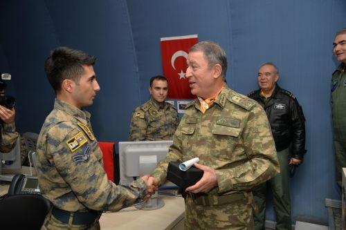PKK'nın korkulu rüyasını yerinde izledi