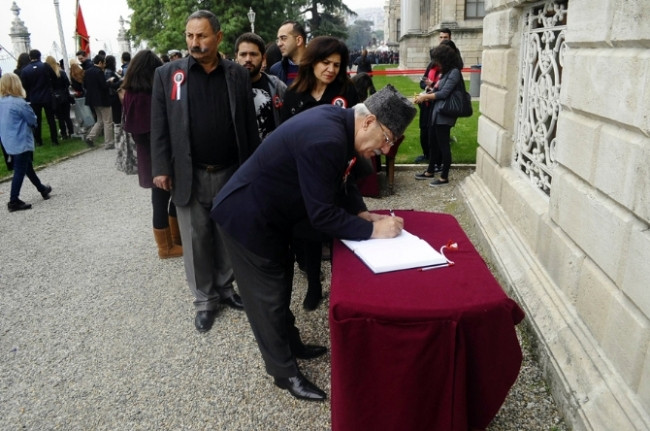 Atatürk'ün odasına ziyaretçiler akın etti