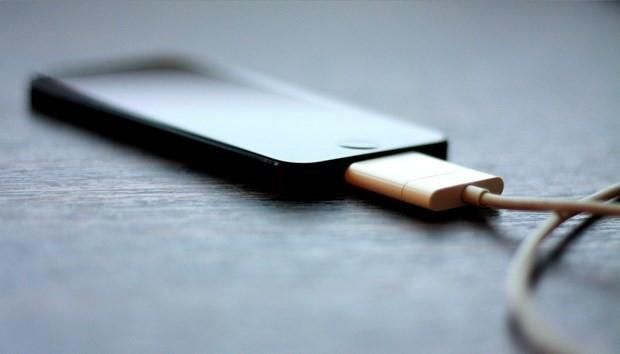 Telefonlarda şarj derdi bitiyor mu?