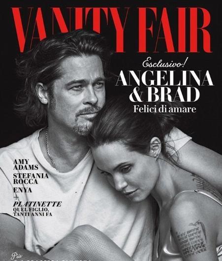 Dergilere birlikte poz veren ünlüler