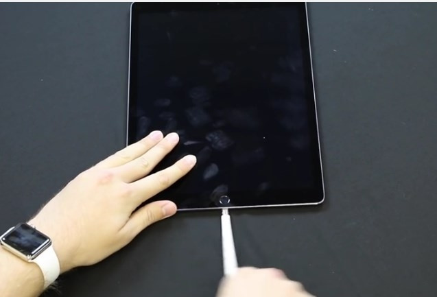 Apple pencil işkence çekiyor