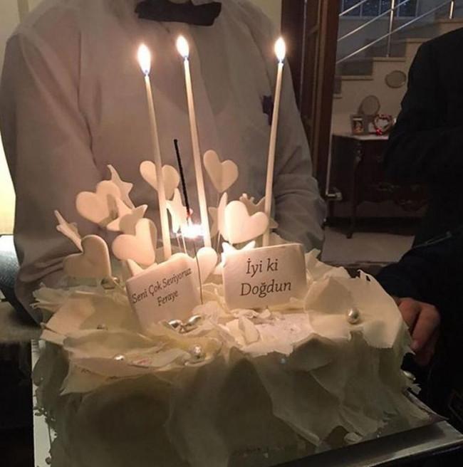 Feraye Tanyolaç 45'inci yaşını eski eşi Kaya Çilingiroğlu ile kutla