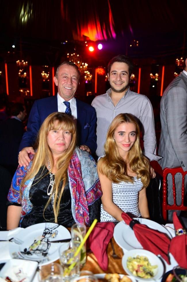 Ali Ağaoğlu oğluna sürpriz doğum günü partisi düzenledi