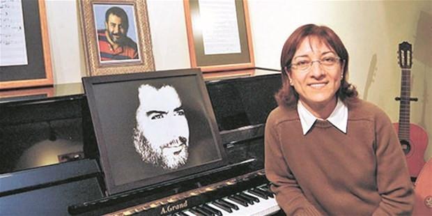 Serdar Ortaç'tan Ahmet Kaya sürprizi