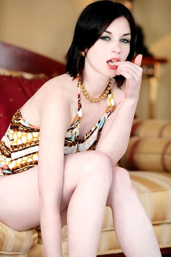 Porno yıldızı Stoya'dan tecavüz iddiası