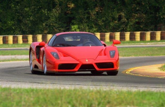 Dünyanın en hızlı 10 arabası açıklandı!
