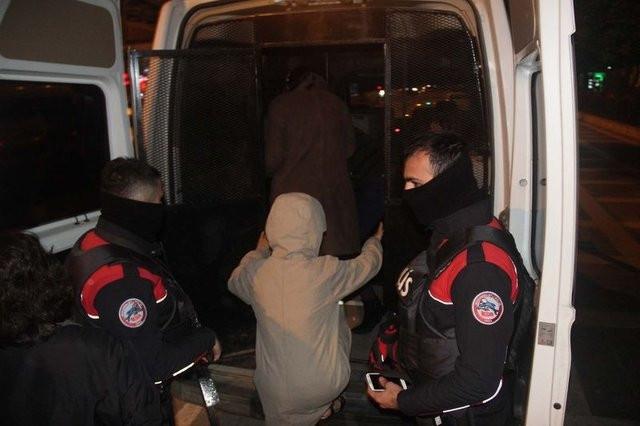 Şanlıurfa'da 1 saatte 50 Suriyeli konsomatris yakalandı