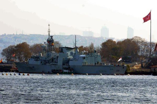 NATO gemileri Sarayburnu'nda