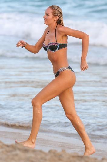 Candice Swanepoel çekimde