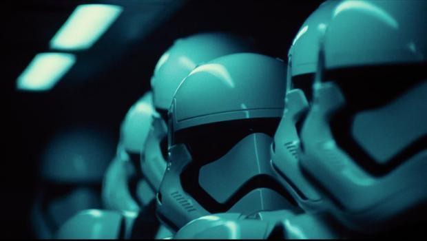 Star Wars serisini gerçek kronolojisiyle izlemek isteyenler için altın r