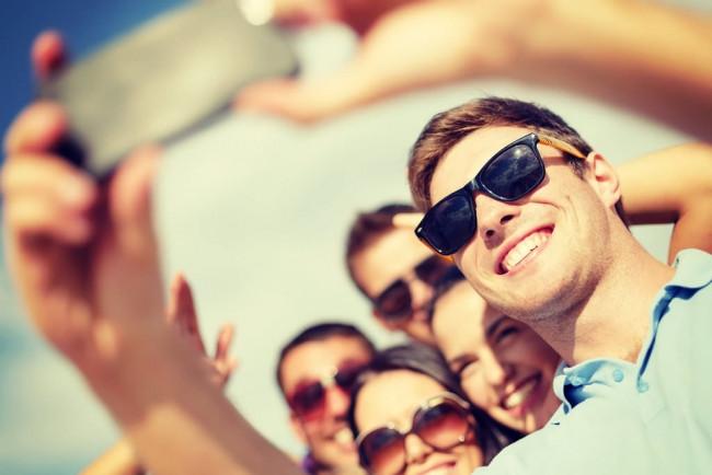 Selfie modası estetik yaşını düşürdü!