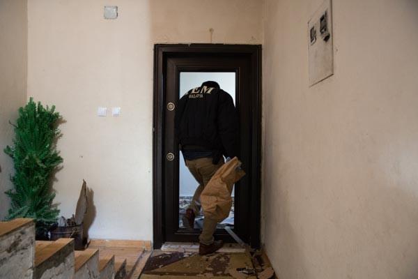 PKK'nın Keskin Nişancısı Öldürüldü, Polis Evlere Girdi