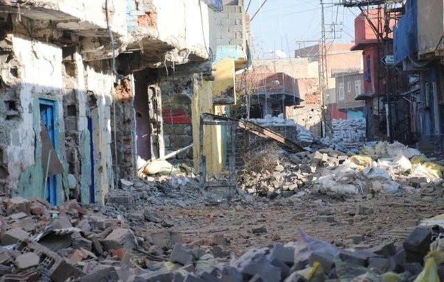 Diyarbakır Sur'da yaşayan sivil halk ölmekten korkuyor