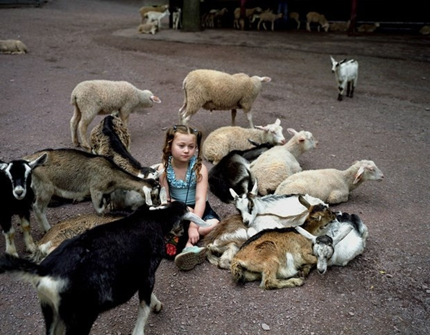 Vahşi hayvanlarla büyüyen kızın son hali
