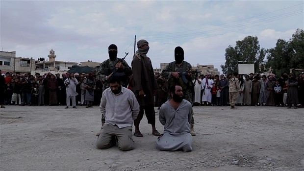 Işid 3 kişiyi infaz etti