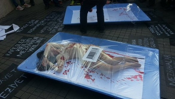 Galatasaray Meydanı'nda hayvanlar kesilmesin protestosu