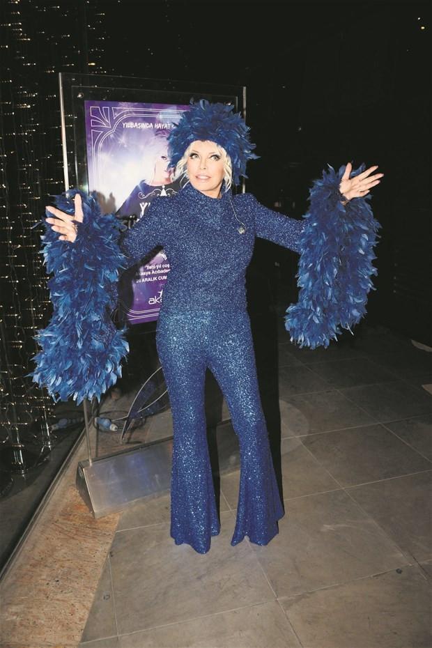 Mavi tüylü süper star!