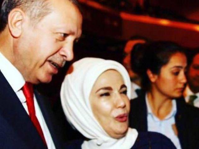 Cumhurbaşkanı Erdoğan ve eşinden 80'ler dizisi oyuncusuna övgü