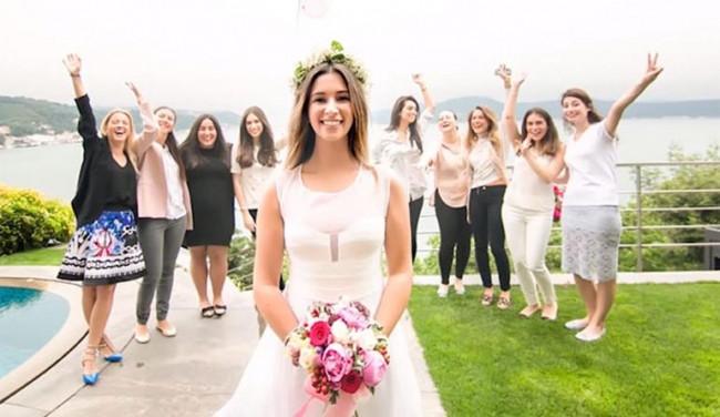 Buse Terim düğün fotoğraflarını takipçileriyle paylaştı