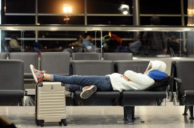 Seferler iptal oldu, Atatürk Havalimanı otele döndü