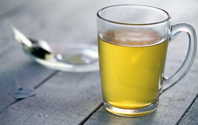 Karaciğeri yenileyen detoks çayı