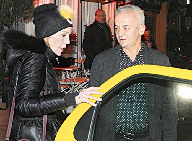 Paris Büyükelçisi Hakkı Akil doğum gününe ünlüler katıldı