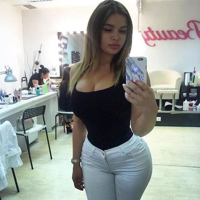 Sosyal medyanın seksi selfie tutkunları!