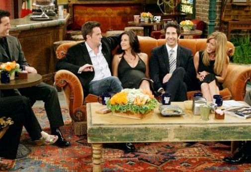 Efsane dizi Friends oyuncuları yeniden toplanıyor