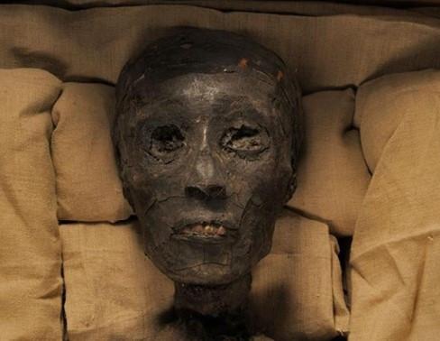 Tutankhamun'un gizemli mezar odası
