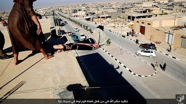 IŞİD katliamları ! (+18)