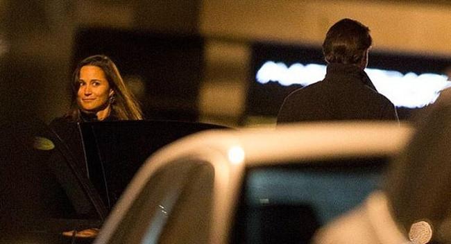 Pippa Middleton yeni sevgilisiyle ayrı eve çıktı