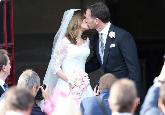 Evlenen ünlülerin mutluluk anları