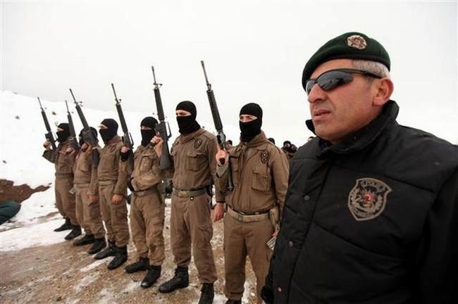Özel harekat polisleri böyle hazırlanıyor !