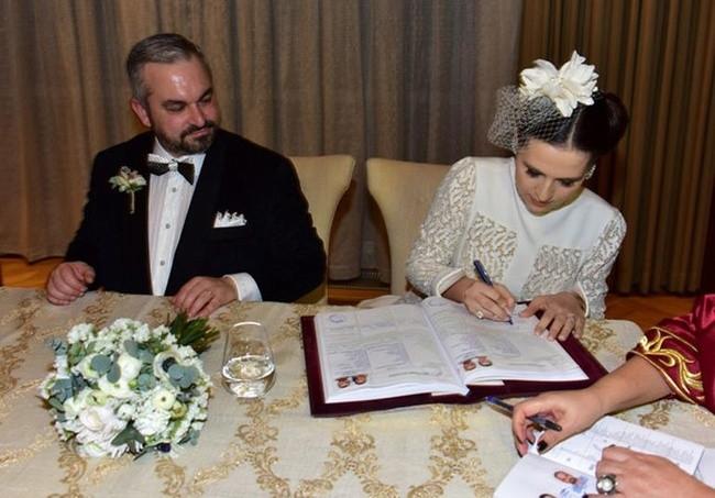Ali Hatemi ile Zeynep Yüksek evlendi