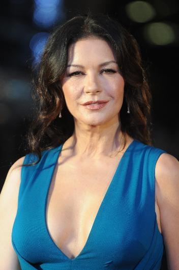 Catherine Zeta Jones'un muhteşem dönüşü