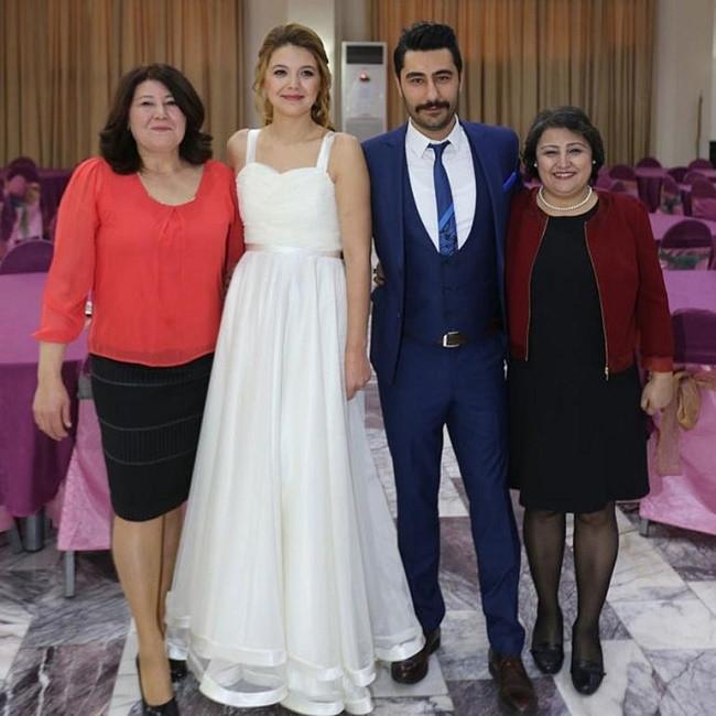 Popstar Habibe evlendi