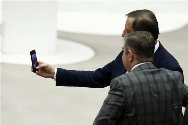 Meclis'te sabaha karşı hatıra fotoğrafı