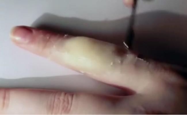 Gerçek kesik parmak gibi duruyor değil mi?