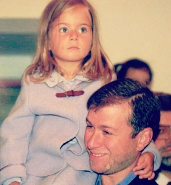 Roman Abramoviç'in kızı okula helikopterle gidiyor