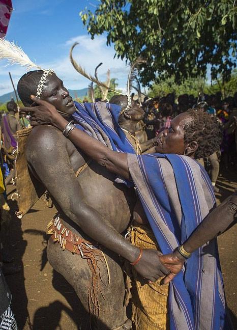 Bodi kabilesinin acayip geleneği