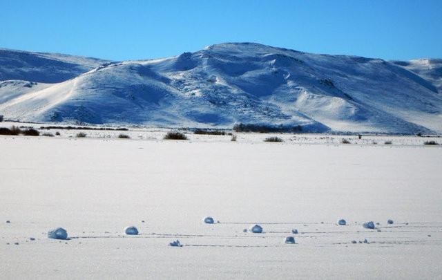 Gökten kar değil adeta kartopu yağdı ! En ilginç doğa olayları..