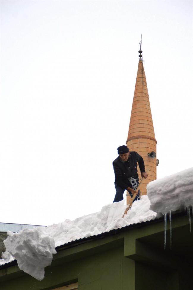Ekmek paralarını kardan çıkartıyorlar