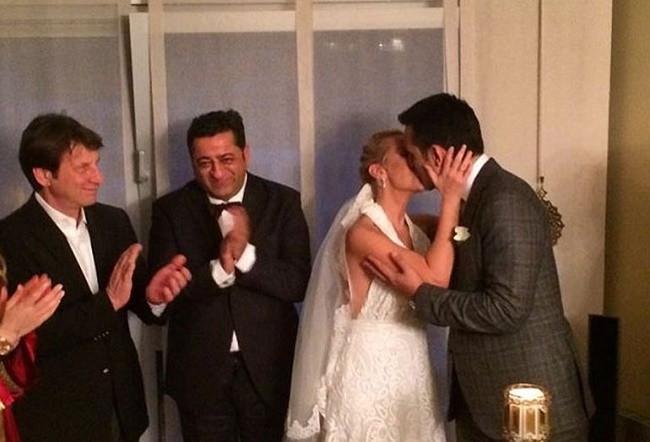 Helin Avşar ile Serhan Bora evlendi