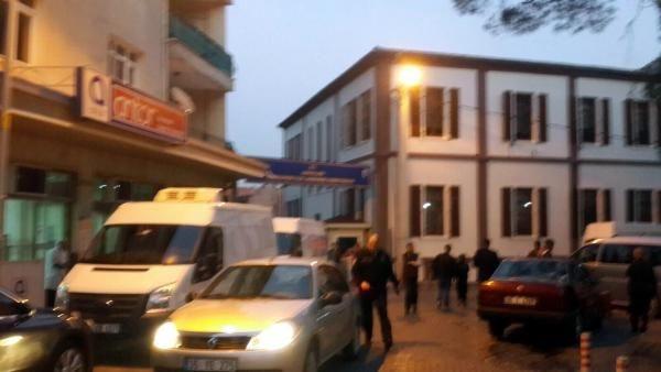 İzmir Kemalpaşa Jandarma Karakoluna saldırdılar