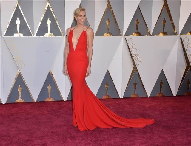88. Oscar Töreni'nden kırmızı halı fotoğrafları