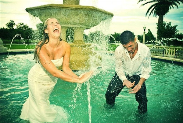 Düğün fotoğraflarına bir de böyle bakın