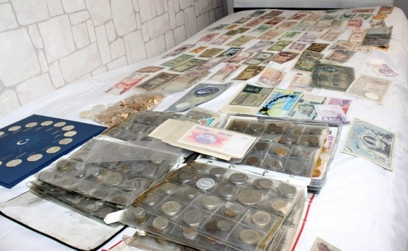 200 Ülke'den 15 Bin çeşit para koleksiyonu